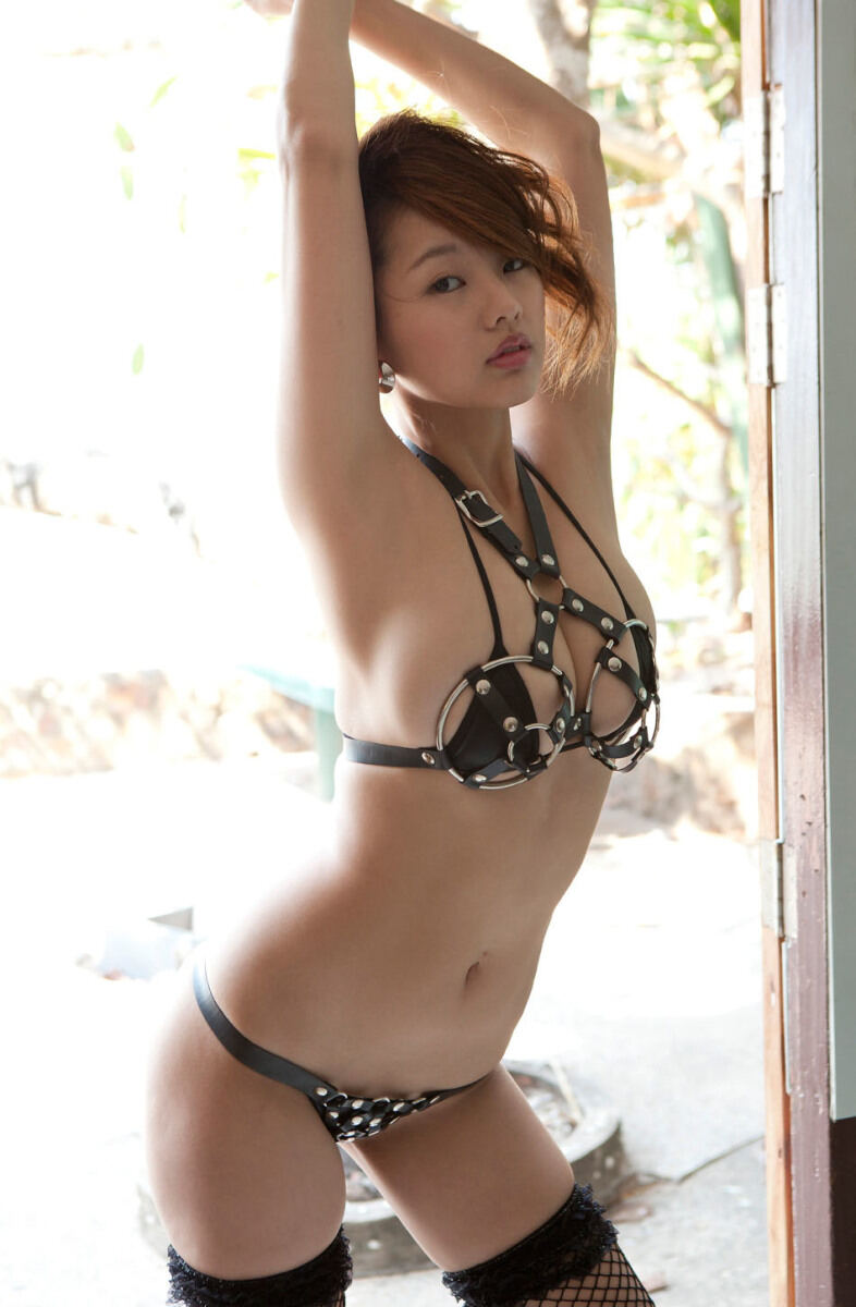 Erotic photos with Sayuki Matsumoto: Naughty And Beauty with pretty babe