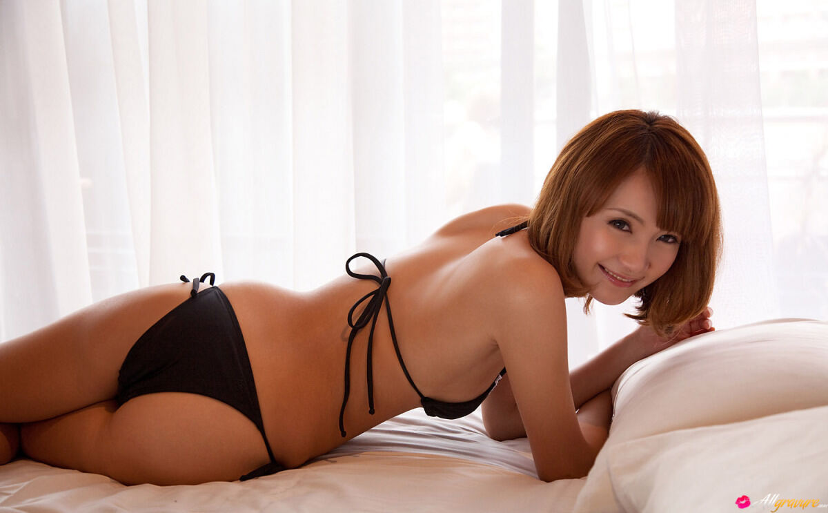 Erotic photos with Misuzu Tachibana: Sexy Japanese Nurse