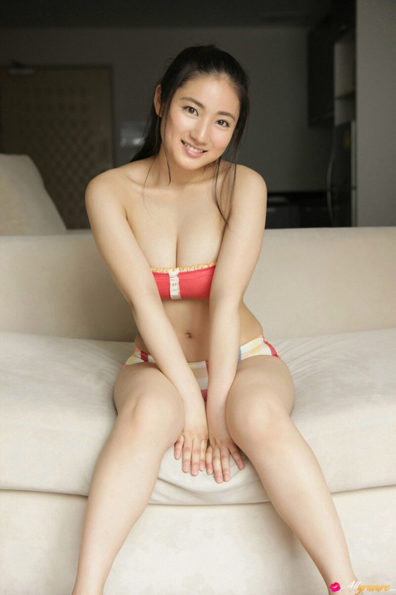 Erotic photos with Saaya Irie: Sexy Japanese bride