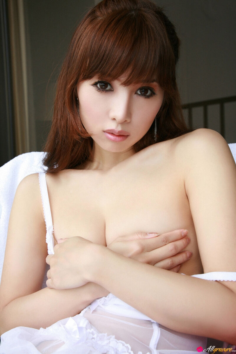 Erotic photos with Yuri Yoshida: Beautiful Japanese doll