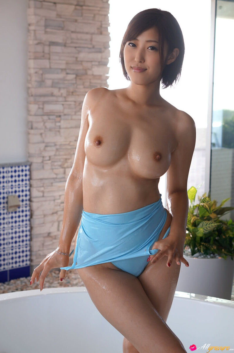 Erotic photos with Asahi Mizuno: Love For Sale in a jacuzzi