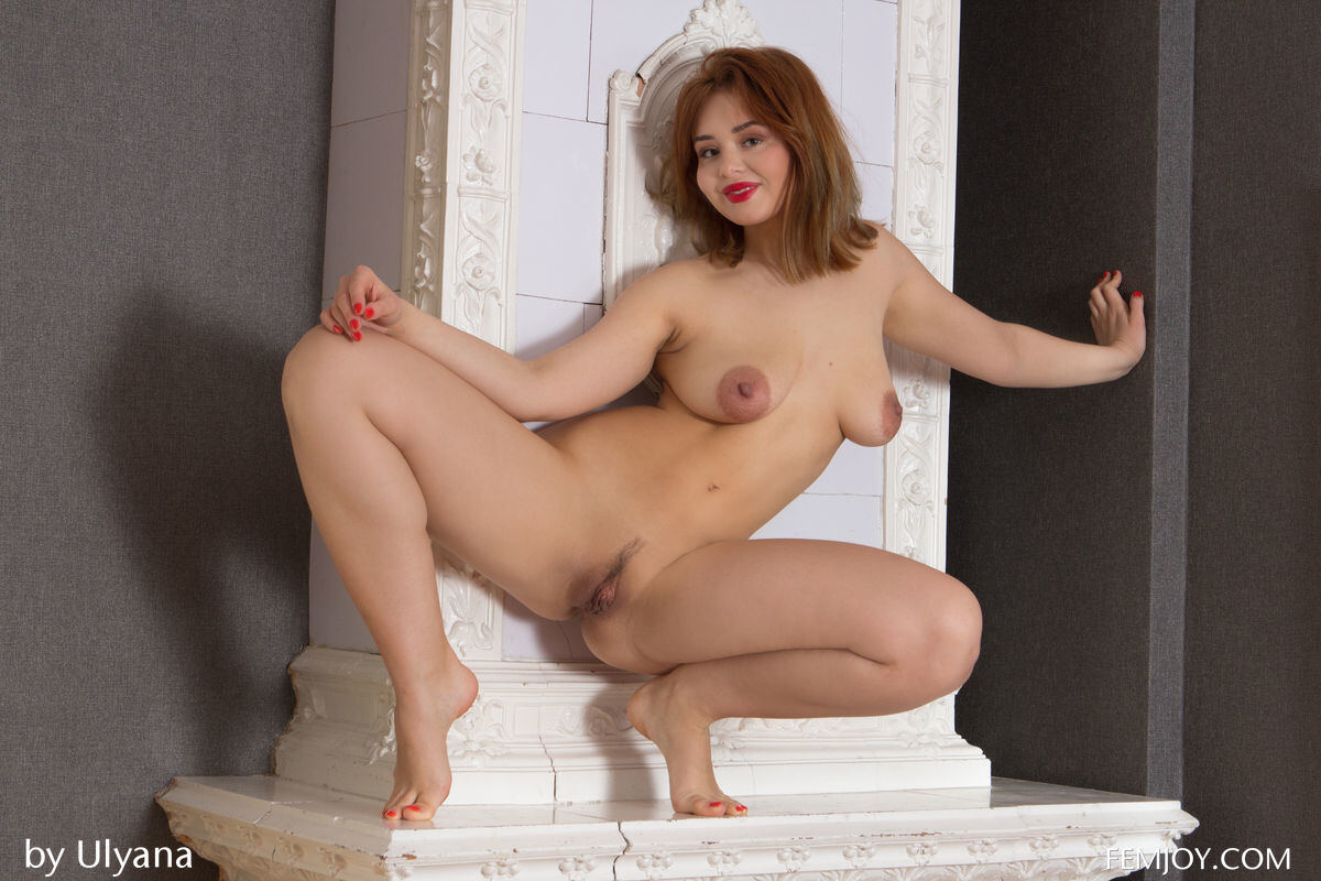 Erotic photos with Sarah J: She is ready for everything
