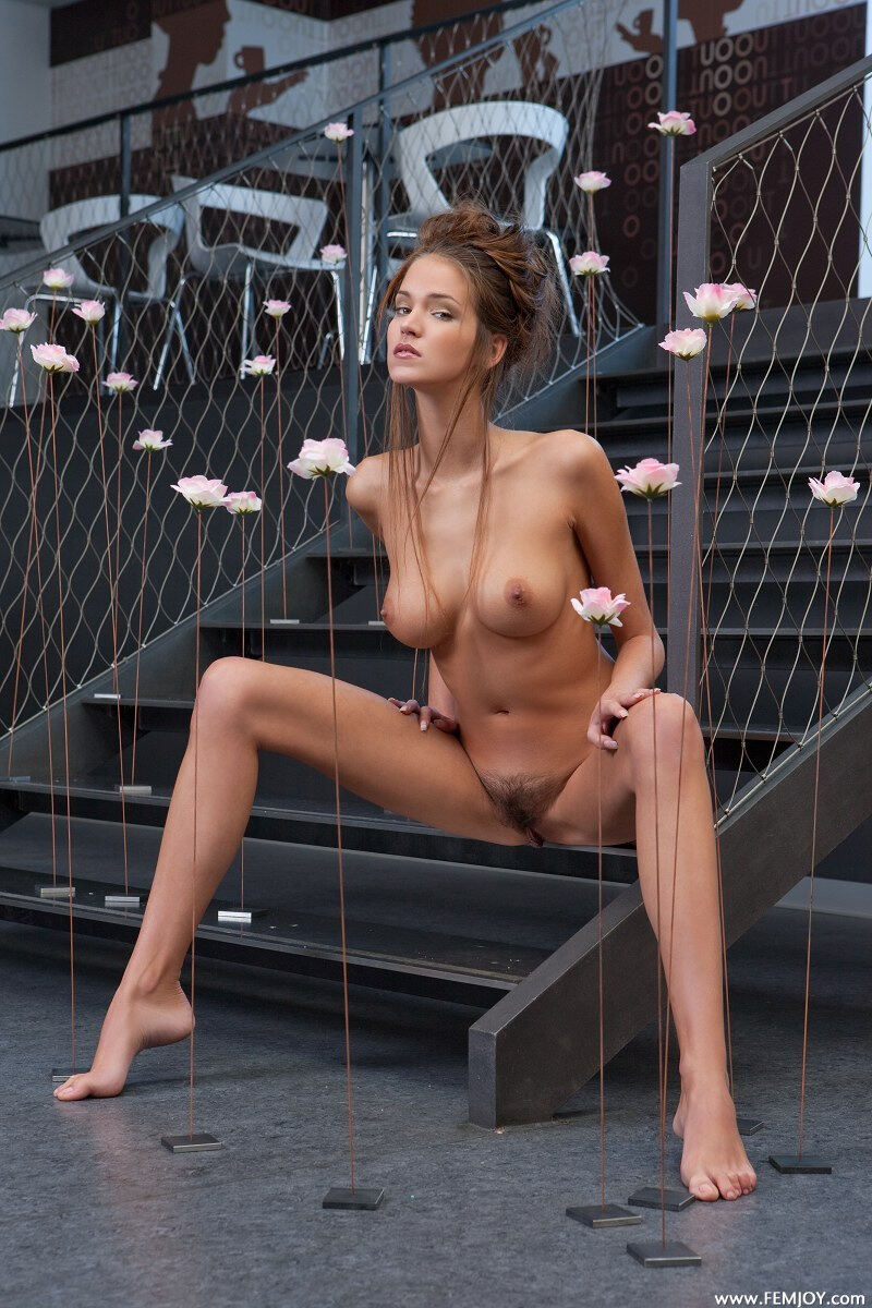 Erotic photos with Simona: Love on stairs