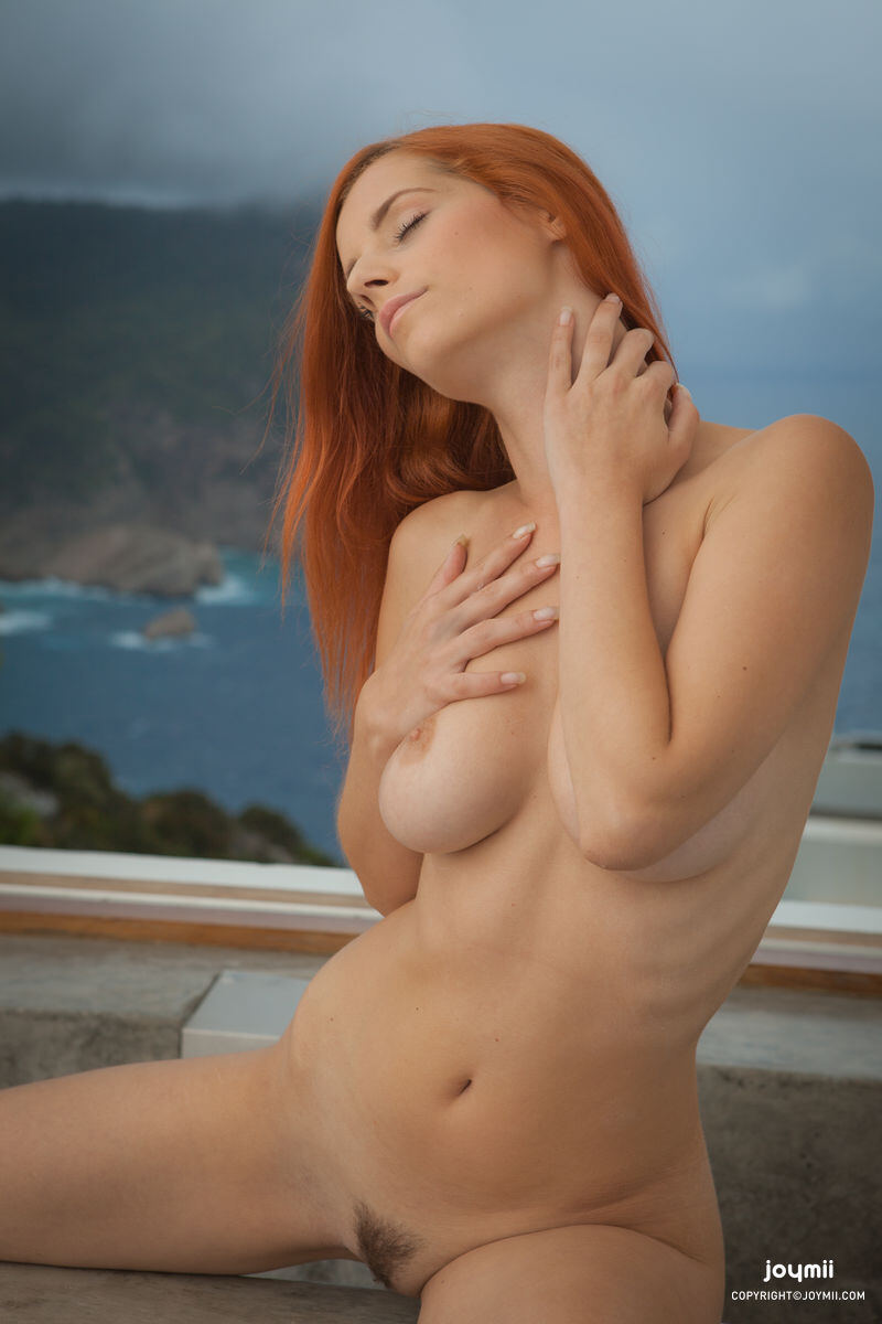Erotic photos with Ariel: Red Hot Girl