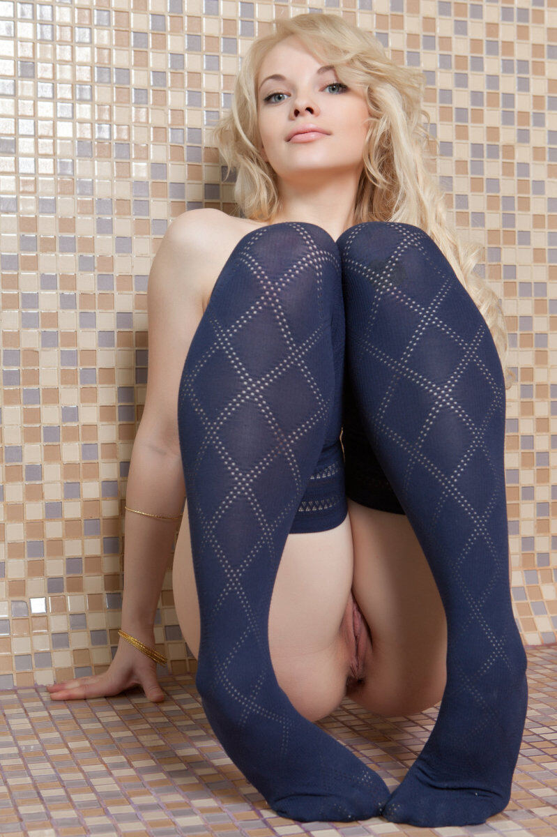 Erotic photos with Feeona A: Mouthwatering blonde in blue stockings