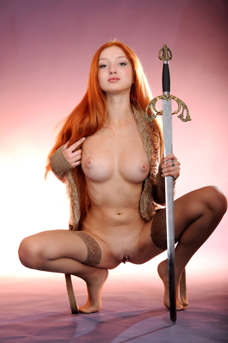 Erotic photos with Michelle H: Lovande with beautiful knight