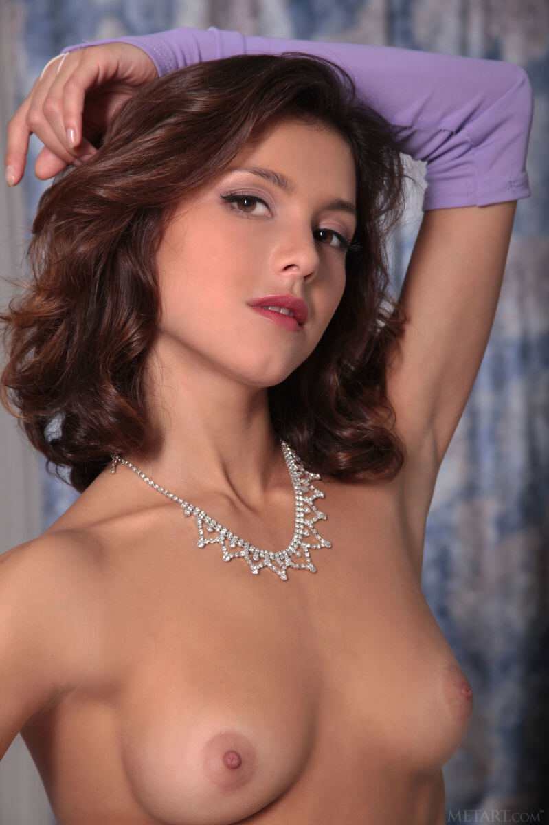Erotic photos with Divina A: Elegant girl in gloves