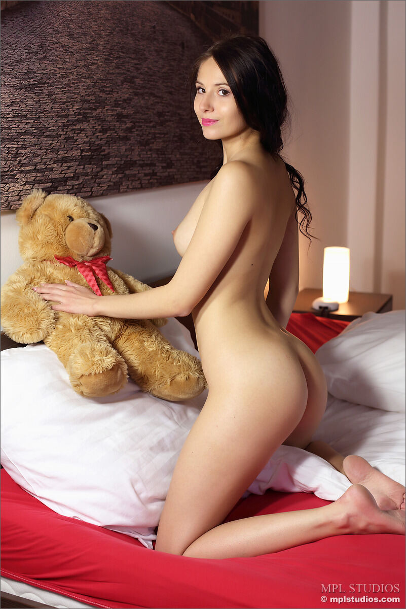 Erotic photos with Vanessa A: Me And Ted