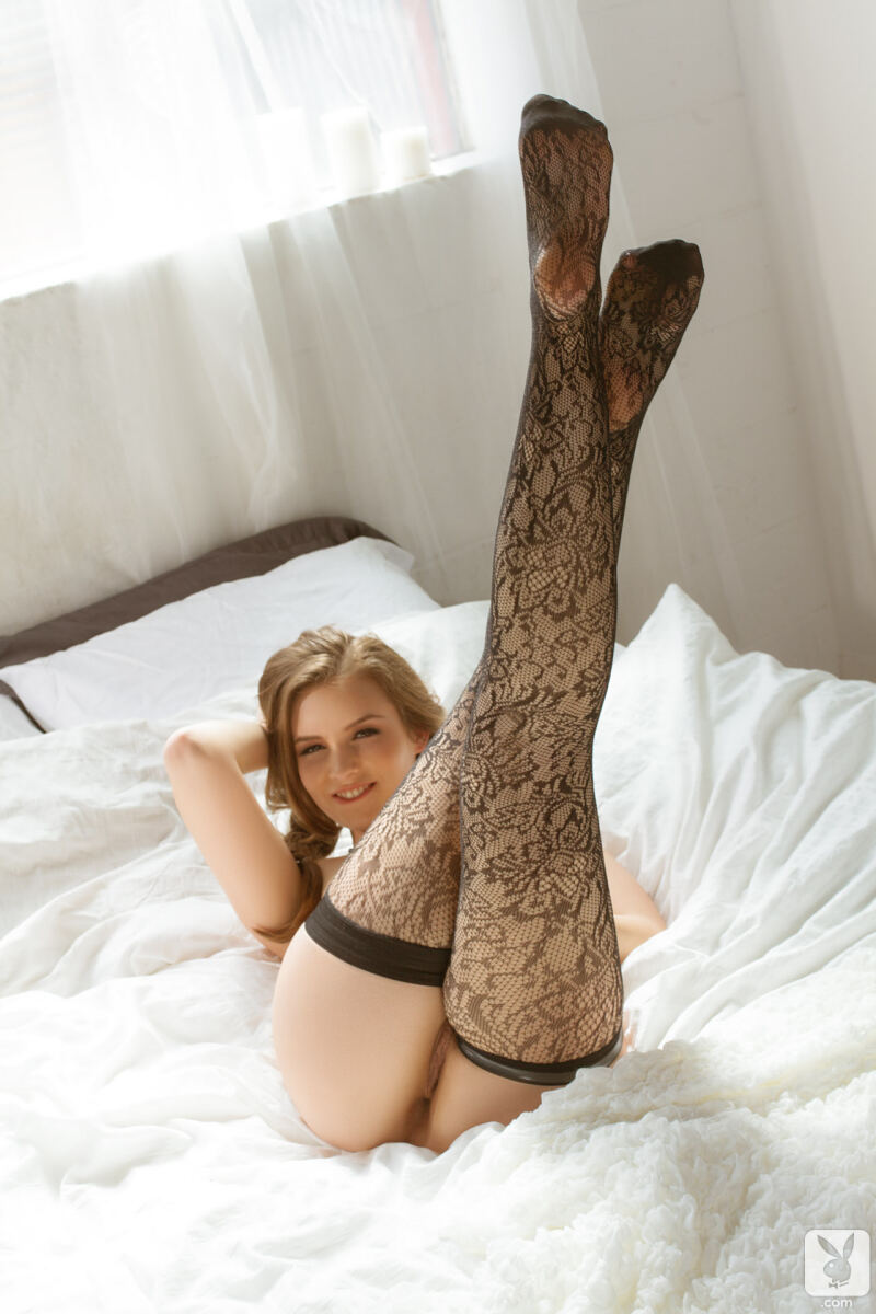 Erotic photos with Mandy Kay: Naughty Petite Teen