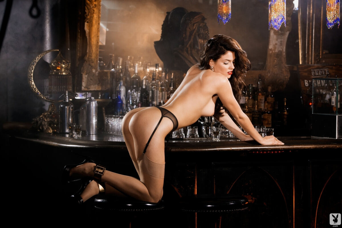 Erotic photos with Val Keil: Anything to drink?