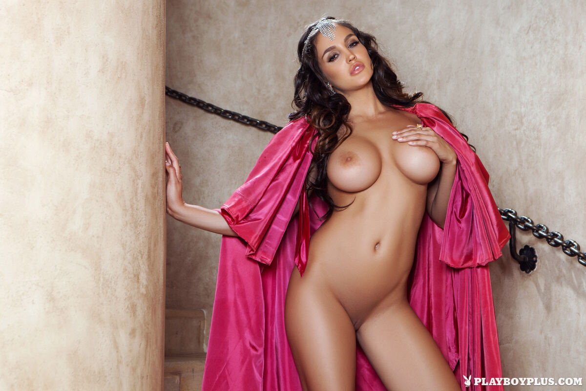 Erotic photos with Jaclyn Swedberg: Sweet Retreat