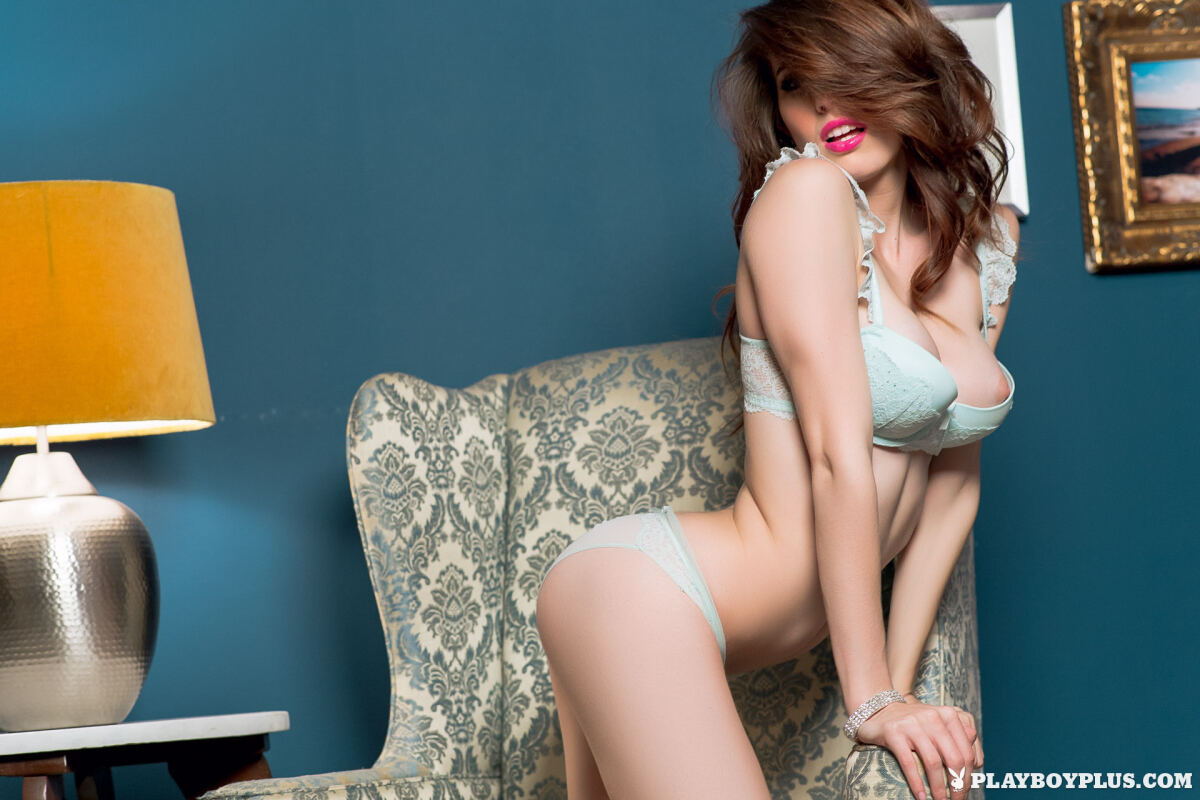 Erotic photos with Caitlin Mcswain: Come On In