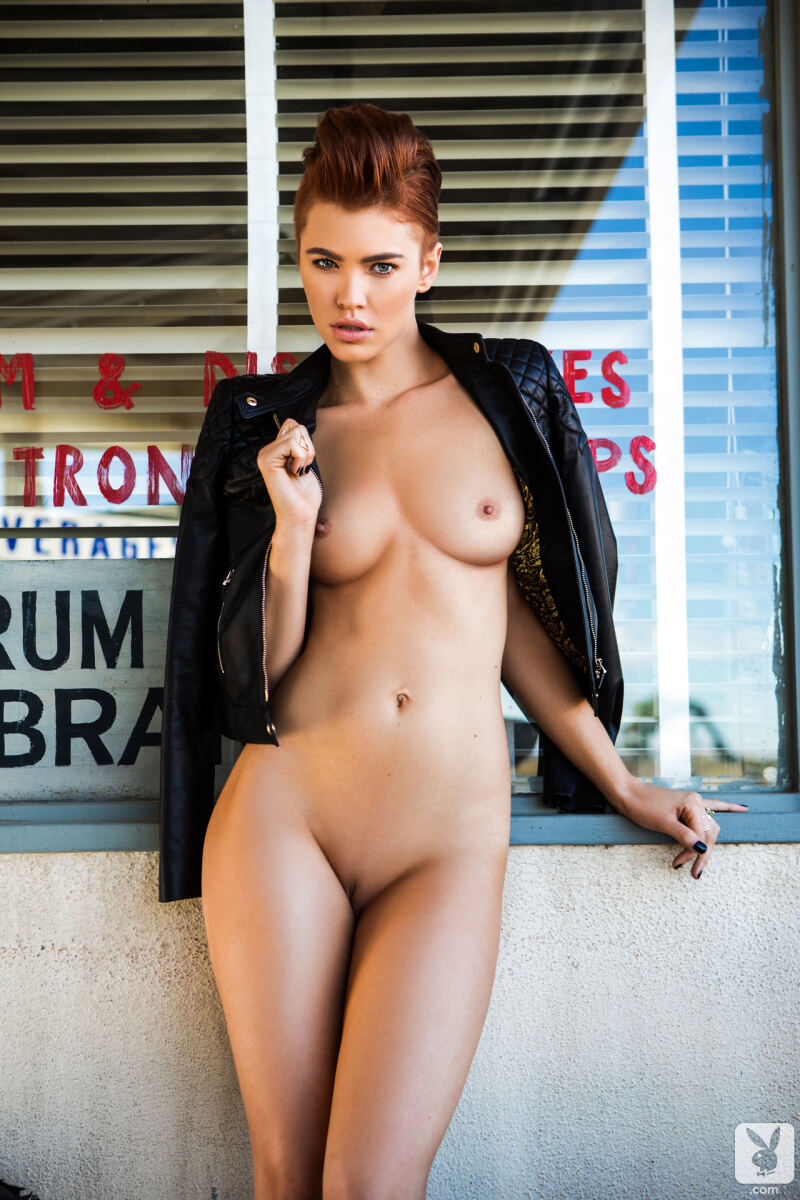 Erotic photos with Britt Linn: Playmate Miss March 2014