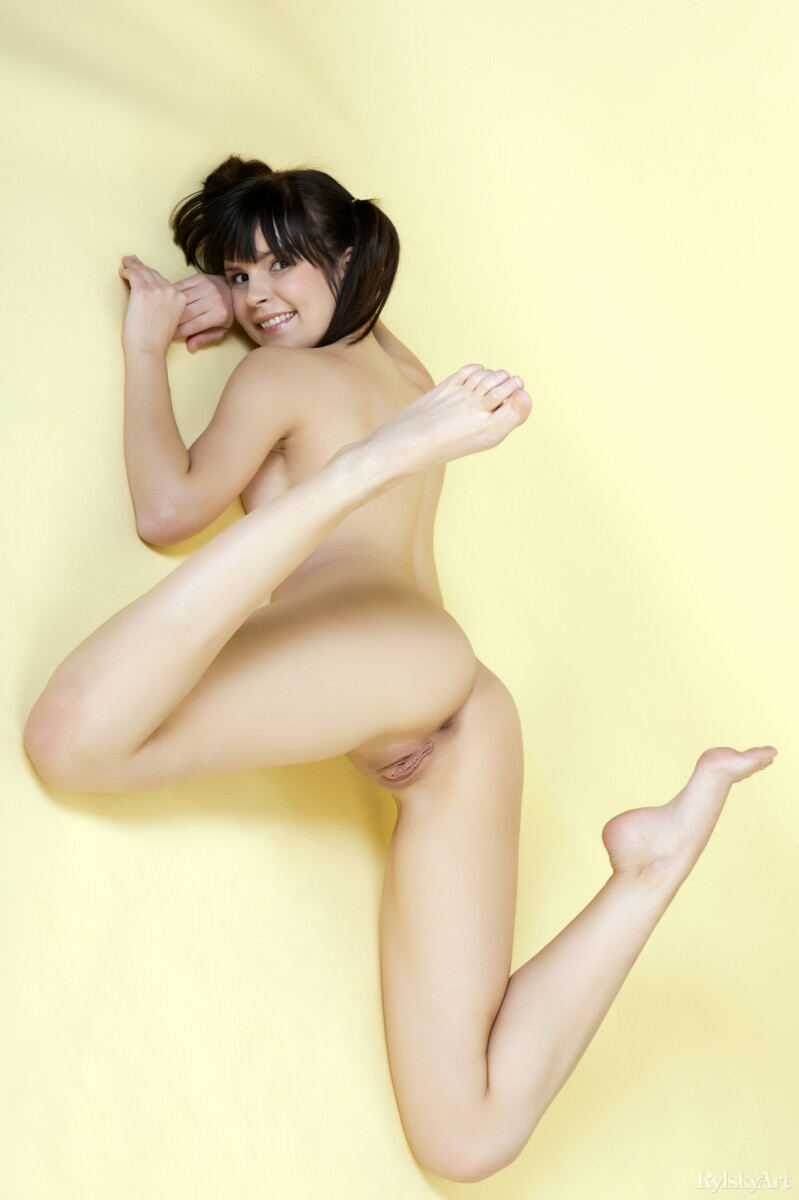 Erotic photos with Zelda: Pigtailed girl