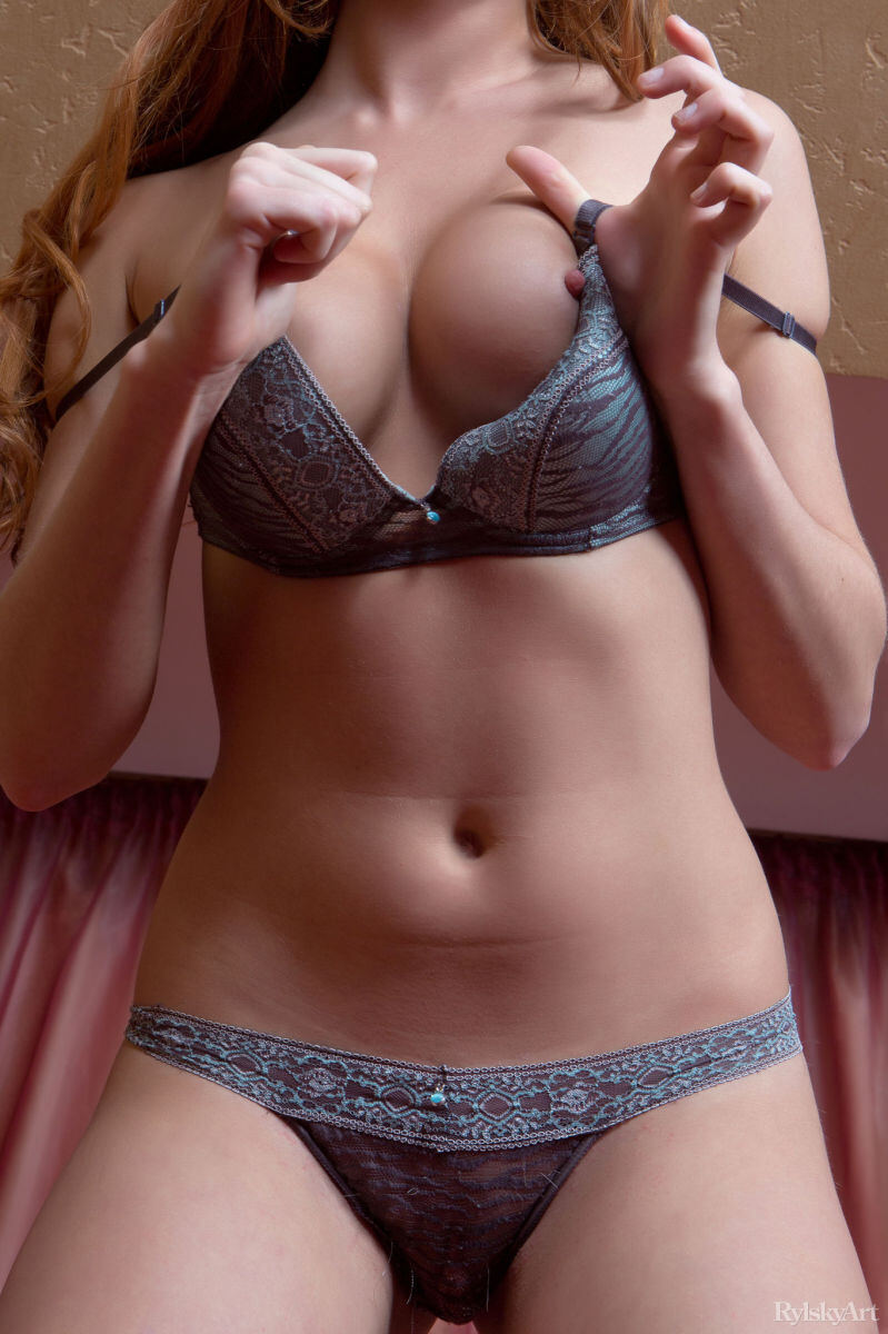 Erotic photos with Genie Agila: Hot girl in lingerie