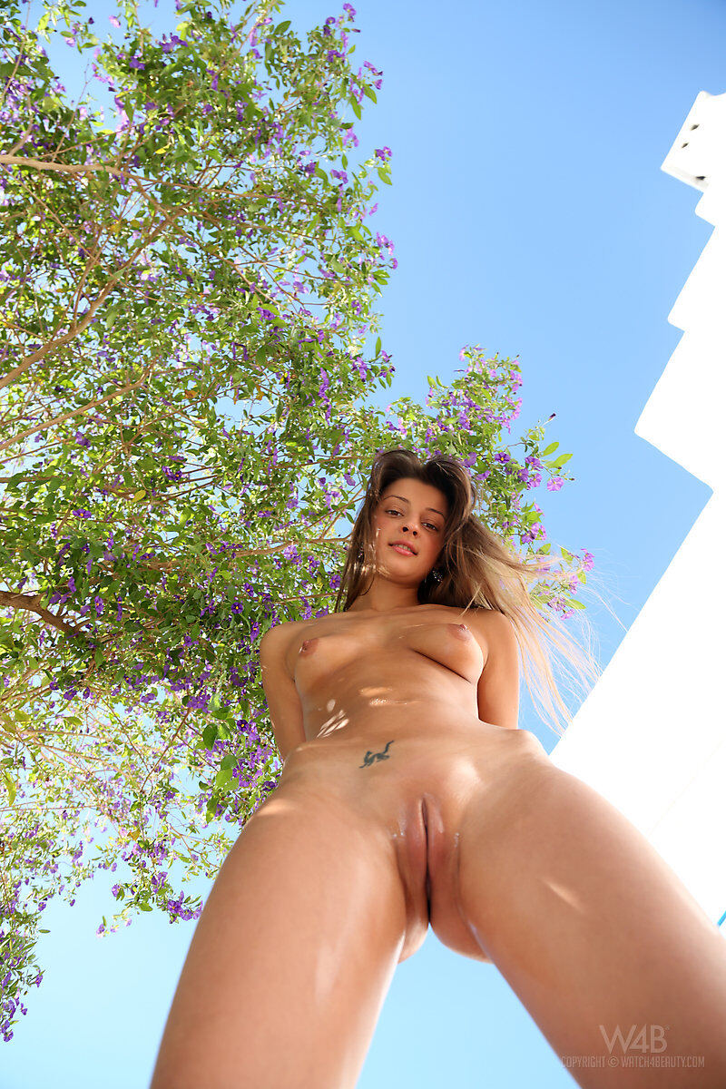 Erotic photos with Maria: From Below