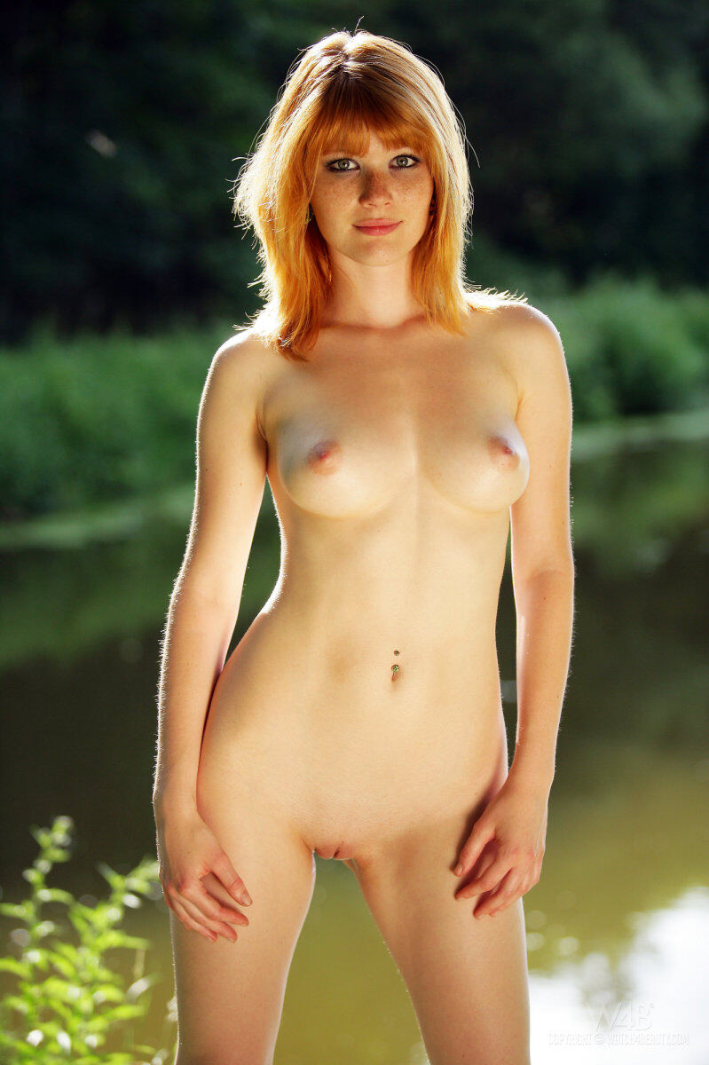 Erotic photos with Lynette: Freckled girl