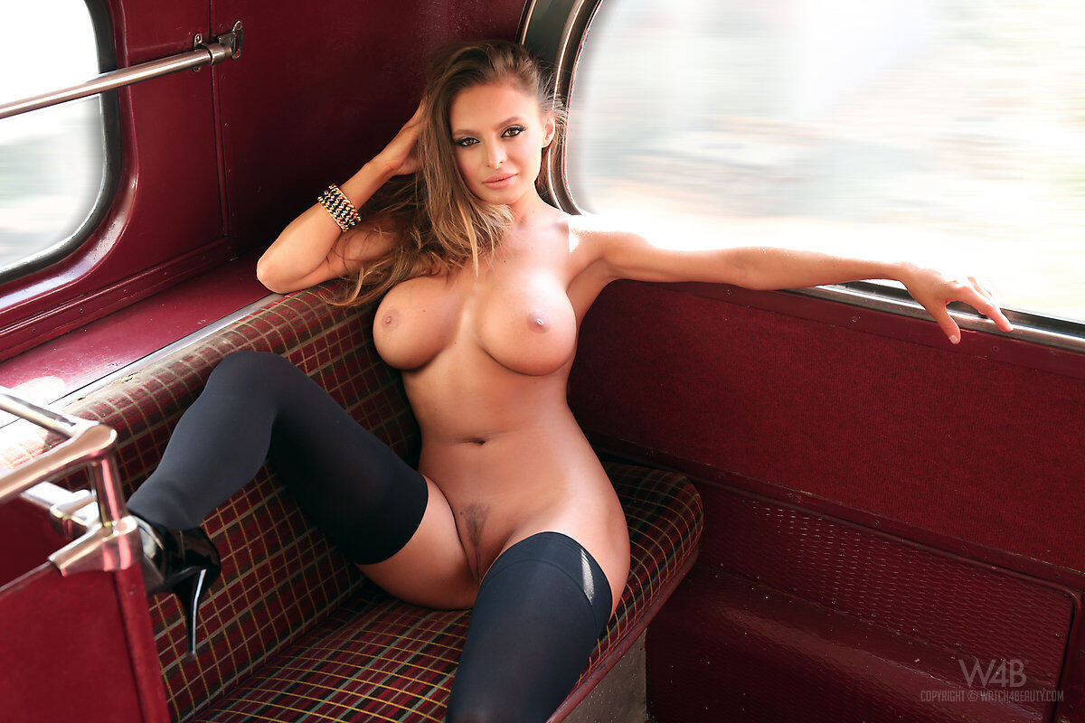 Erotic photos with Dana Harem: Double Decker